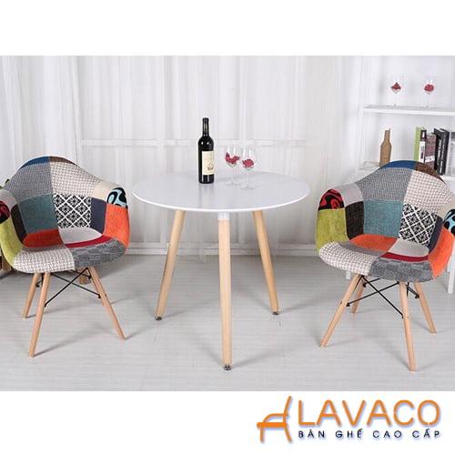 Bộ bàn cafe sang trọng, bàn tròn 2 ghế bọc vải thổ cẩm - Lavaco